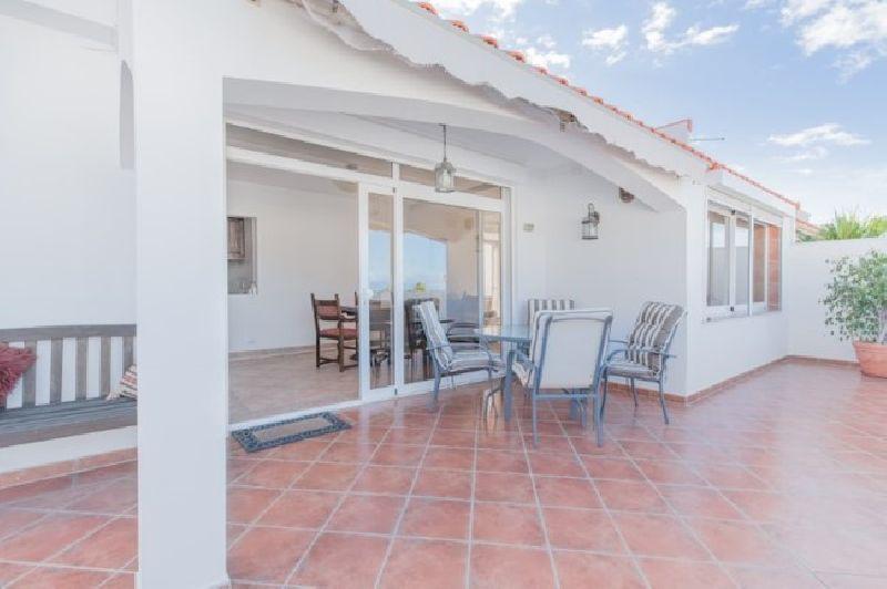 Villa con 4 dormitorios y 2 baños en Palm Mar